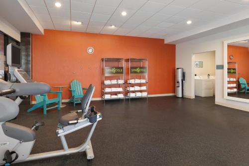 The fitness center and/or fitness facilities at Home2 Suites by Hilton Amarillo