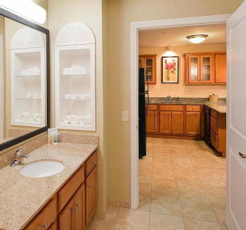 A bathroom at White River Inn & Suites