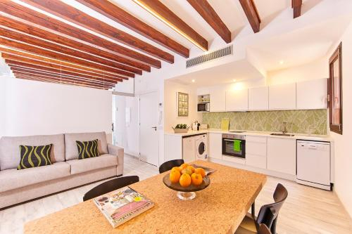 A kitchen or kitchenette at Remolars3 Townhouse - Turismo de Interior