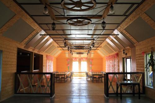 Ресторан / где поесть в Razdolie Liubiatino