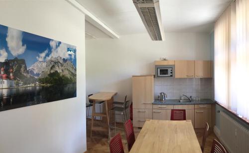 A kitchen or kitchenette at KS Hostel Berchtesgaden GmbH