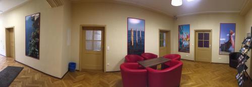 The lounge or bar area at KS Hostel Berchtesgaden GmbH