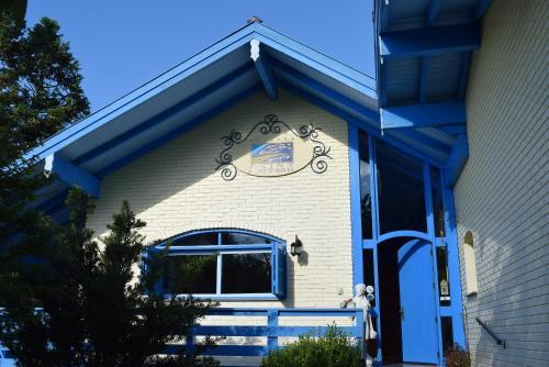 The facade or entrance of Pousada Saint Gottard