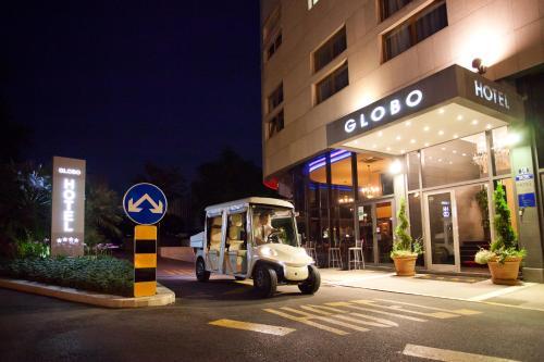 Fachada o entrada de Hotel Globo