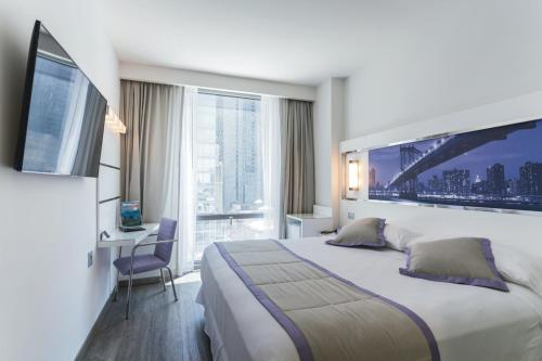 A bed or beds in a room at Riu Plaza New York Times Square