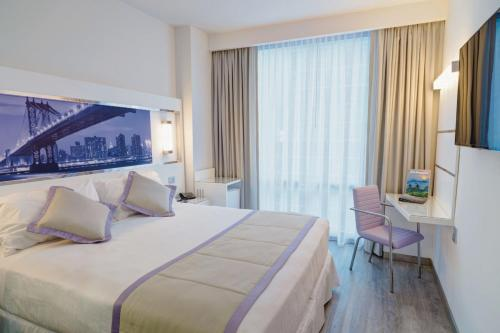A room at Riu Plaza New York Times Square