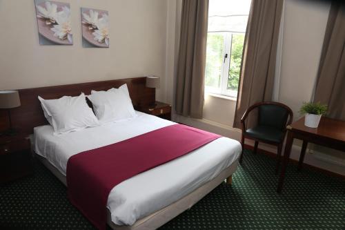 A room at Hotel Le Monte Cristo