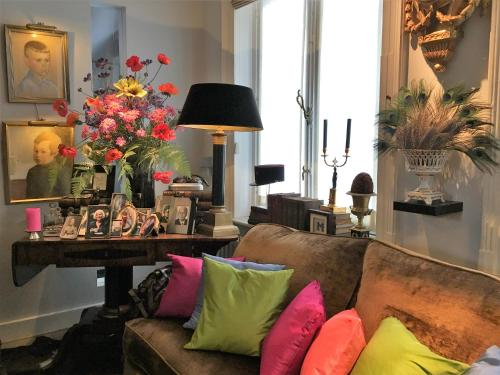 The lounge or bar area at Bourgogne Suite Maastricht