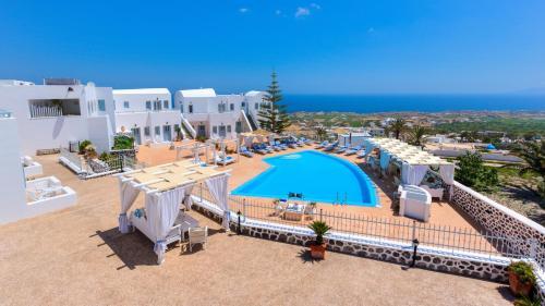 Θέα της πισίνας από το Dream Island Hotel ή από εκεί κοντά