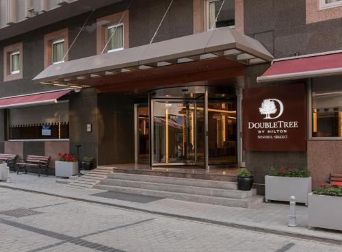 Фасад или вход в DoubleTree by Hilton Istanbul - Sirkeci