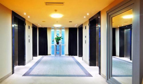 Basen w obiekcie Don Giovanni Hotel Prague - Great Hotels of The World lub w pobliżu