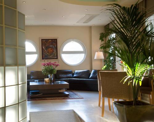 The lobby or reception area at Egnatia City Hotel & Spa