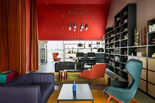 Salon ou bar de l'établissement Okko Hotels Bayonne Centre