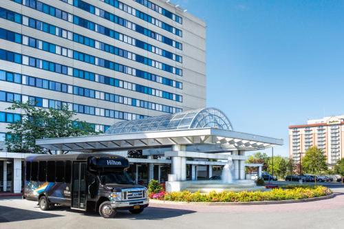 Facciata o entrata di Hilton New York JFK Airport Hotel
