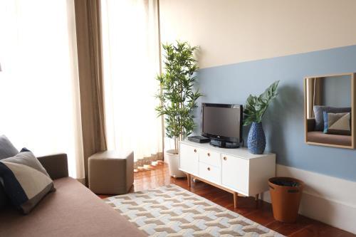 Uma área de estar em Sao Domingos by Oporto Tourist Apartments