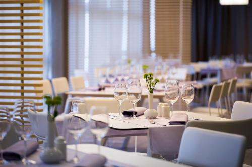 A restaurant or other place to eat at Hotel Excelsior - Liburnia