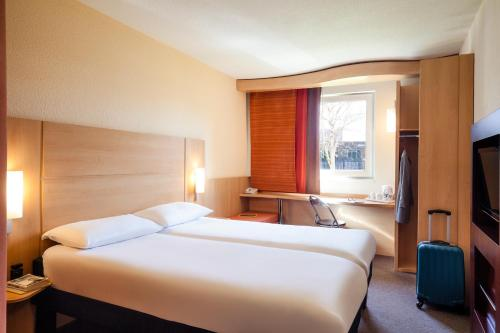 A room at ibis Cardiff Centre