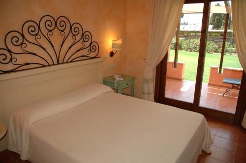 A room at Lantana Resort Hotel&Apartments