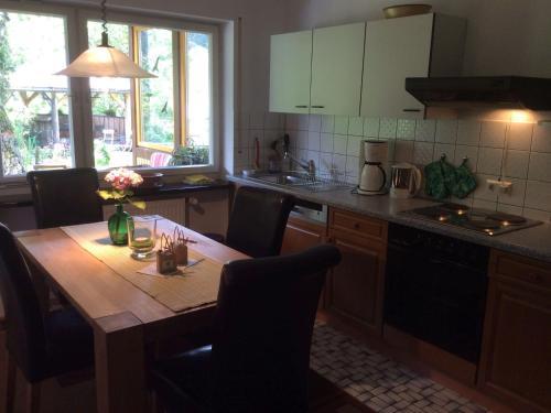 Küche/Küchenzeile in der Unterkunft Ferienwohnung Baumer