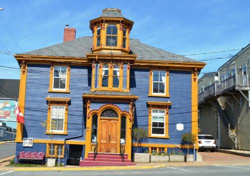 Фасад или вход в The Mariner King Inn