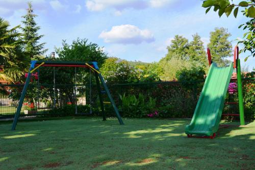Zona de juegos infantil en Hotel Casa Reboiro