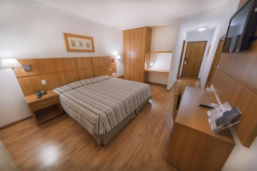 A room at Hotel Plaza Mayor