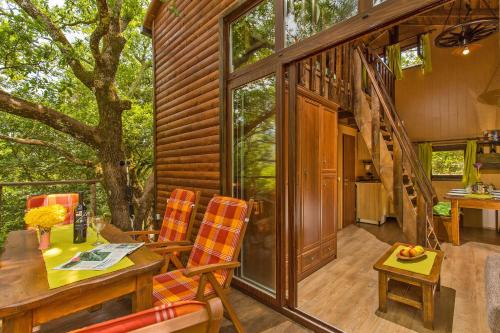 A seating area at Treehouse Dubrovnik
