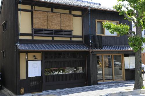 The facade or entrance of Usaginonedoko