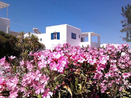 Giardino di Nicos Studios & Apartments