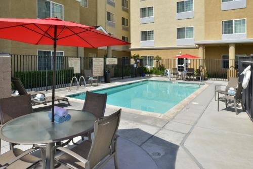 A porch or other outdoor area at TownePlace Suites Sacramento Cal Expo
