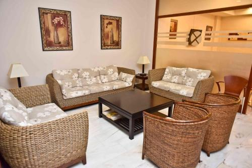 A seating area at Hotel Adsubia