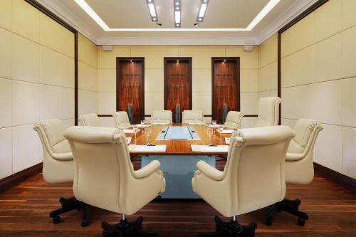 Бизнес-центр и/или конференц-зал в Шератон Палас Москва