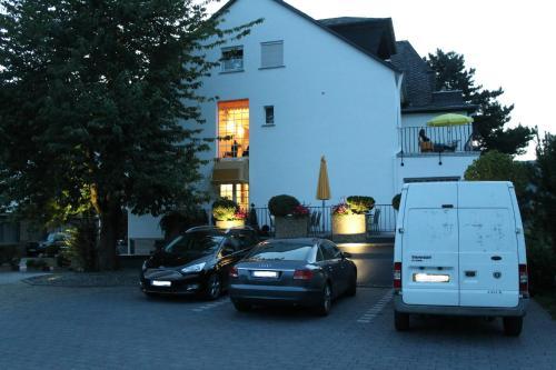 Eine Fassade oder ein Eingang zu Haus Marientaler Au