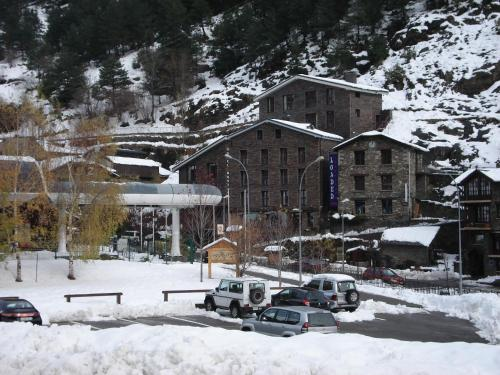 Hotel Montané during the winter