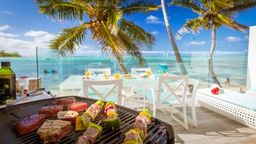 A restaurant or other place to eat at Crystal Blue Lagoon Villas