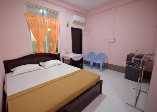 A room at Soe Brothers 2 Guesthouse