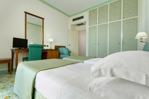 A room at Lloyd's Baia Hotel