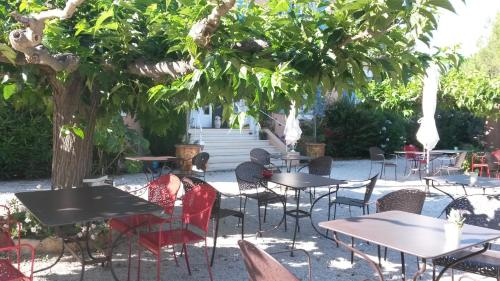 Restaurant ou autre lieu de restauration dans l'établissement Canto Cigalo