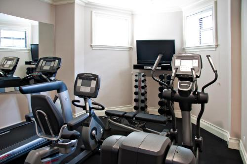 Gimnasio o instalaciones de fitness de Inn at St. Botolph