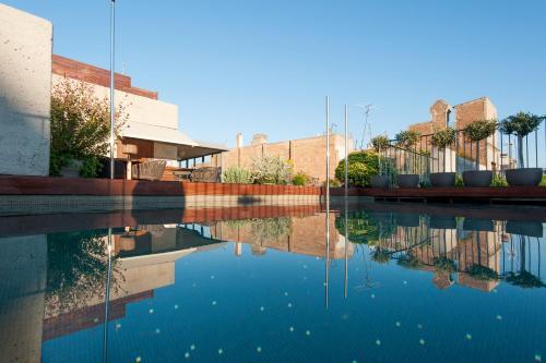 Piscina di Mercer Hotel Barcelona o nelle vicinanze