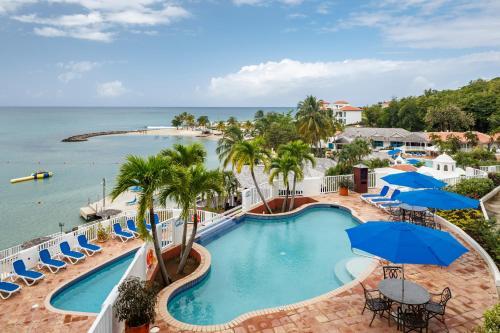 The swimming pool at or close to Windjammer Landing Villa Beach Resort