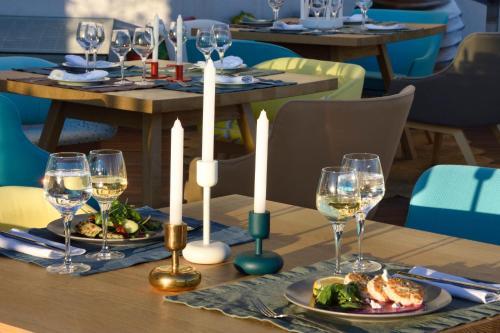 מסעדה או מקום אחר לאכול בו ב-Coco-Mat Hotel Athens