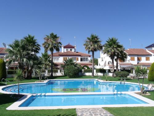 The swimming pool at or close to Holiday Home Rio Mar 6