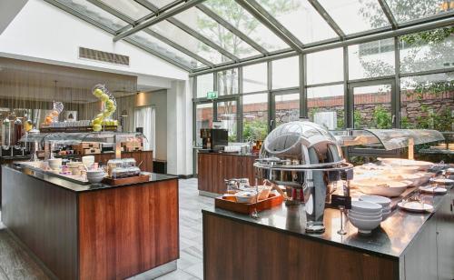 A restaurant or other place to eat at Hilton Garden Inn Dublin Custom House