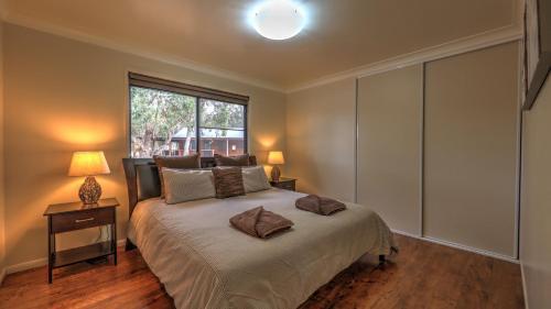 A room at Sommerville Valley Tourist Park & Resort