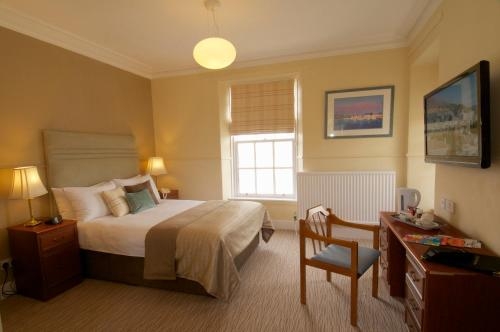 A room at Cove Bay Hotel