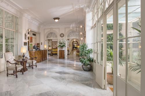 Hall o reception di Grand Hotel Excelsior Vittoria