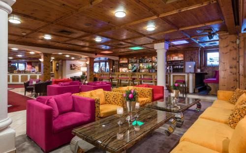 De lounge of bar bij eva,VILLAGE