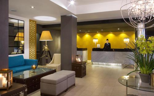 The lounge or bar area at DoubleTree by Hilton Kazan City Center