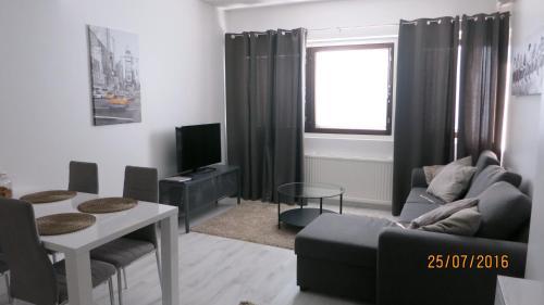 Majoituspaikan CityNest Rovaniemi baari tai lounge-tila